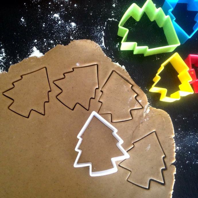 Рецепт новогоднего печенья с глазурью: пошаговая инструкция