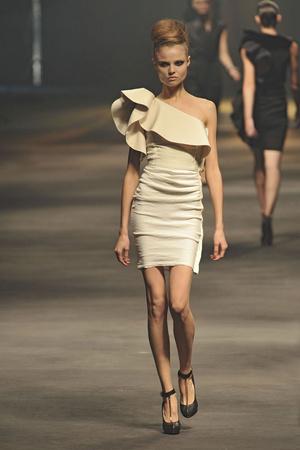 Показы мод Lanvin Весна-лето 2010 | Подиум на ELLE - Подиум - фото 2933