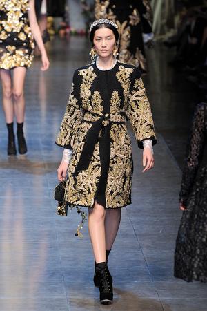 Показы мод Dolce & Gabbana Осень-зима 2012-2013 | Подиум на ELLE - Подиум - фото 1491