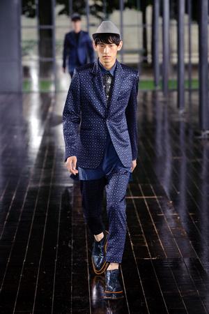 Показ John Galliano коллекции сезона Весна-лето 2014 года Men prêt-à-porter - www.elle.ru - Подиум - фото 556859