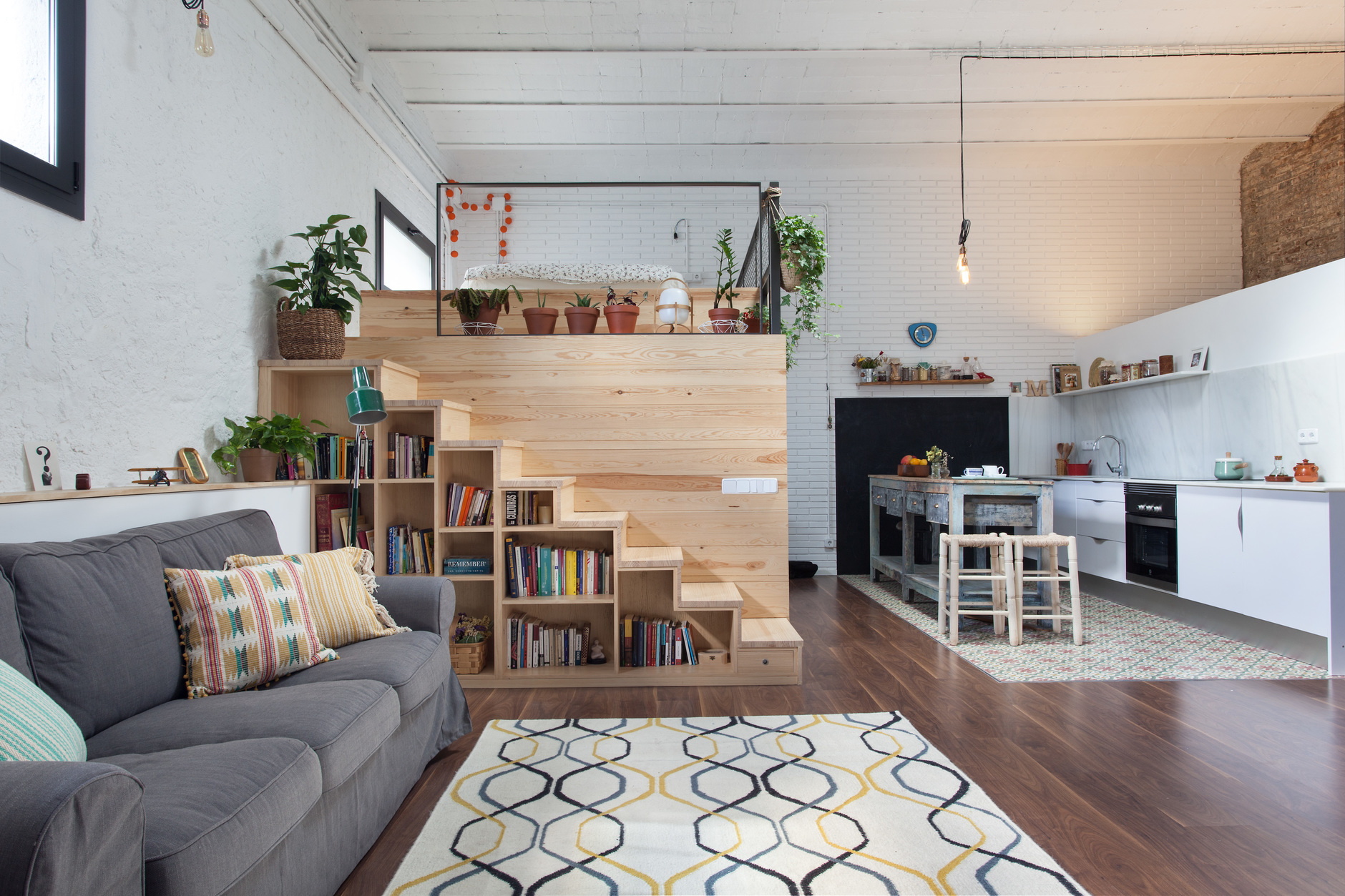 Спальня в стиле лофт: 10 кроватей на чердаке (галерея 0, фото 3)