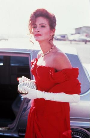 Белла Торн повторила культовый образ Джулии Робертс из фильма «Красотка» (фото 2)