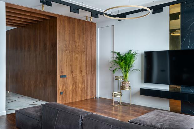 Квартира 80 м² в оттенках натурального дерева и латуни (фото 3)