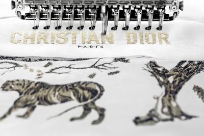 История одной сумки: как создается Dior Book Tote (галерея 1, фото 3)