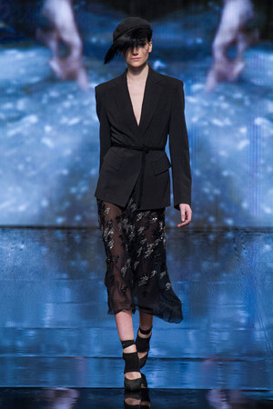 Показы мод Donna Karan New York Осень-зима 2014-2015 | Подиум на ELLE - Подиум - фото 3834