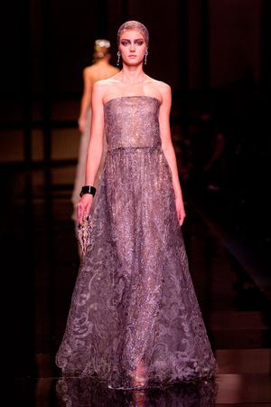 Показ Giorgio Armani Privé коллекции сезона Весна-лето 2014 года Haute couture - www.elle.ru - Подиум - фото 574942