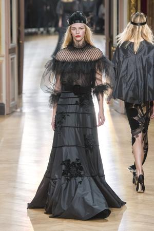 Показ Yanina Couture коллекции сезона Весна-лето 2018 года Haute couture - www.elle.ru - Подиум - фото 674281