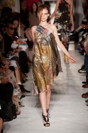 Показы мод Fashion East Весна-лето 2013 | Подиум на ELLE - Подиум - фото 1189