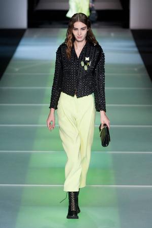 Показы мод Giorgio Armani Осень-зима 2014-2015 | Подиум на ELLE - Подиум - фото 3961