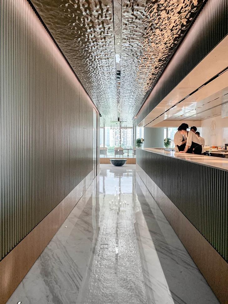 Французский ресторан с зеркальным потолком в Гуанчжоу (фото 10)