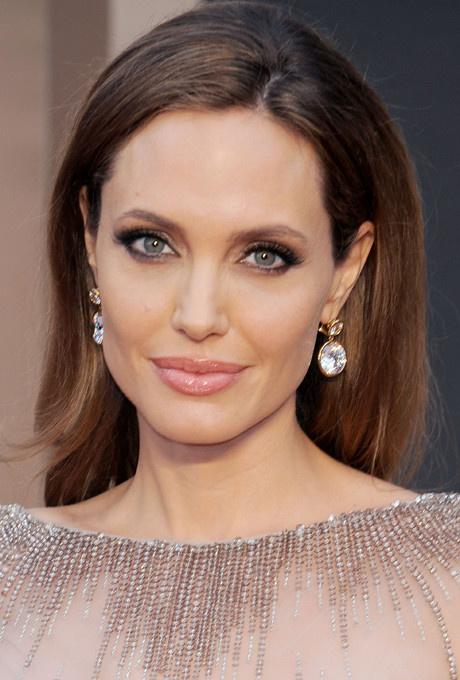 Красота вне времени: бьюти-секреты Анджелины Джоли фото [3]