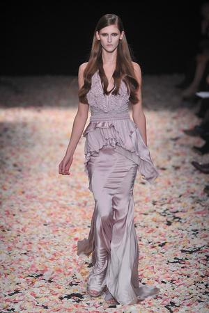 Показ Givenchy коллекции сезона Весна-лето 2009 года Haute couture - www.elle.ru - Подиум - фото 86822