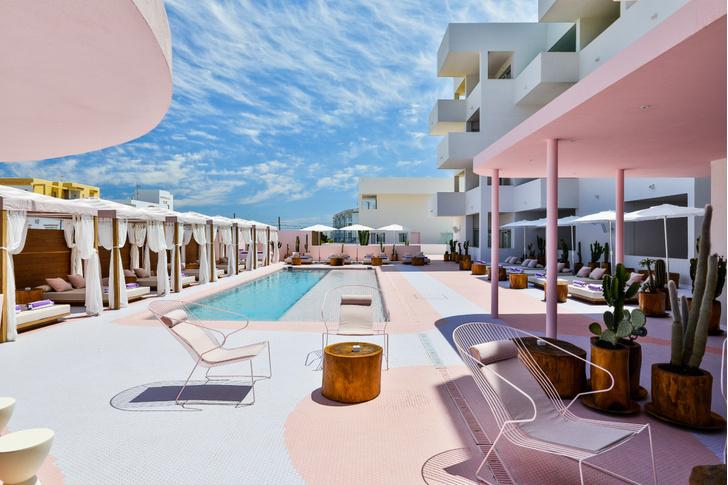 Американский модернизм и группа «Мемфис» в отеле на Ибице (фото 8)