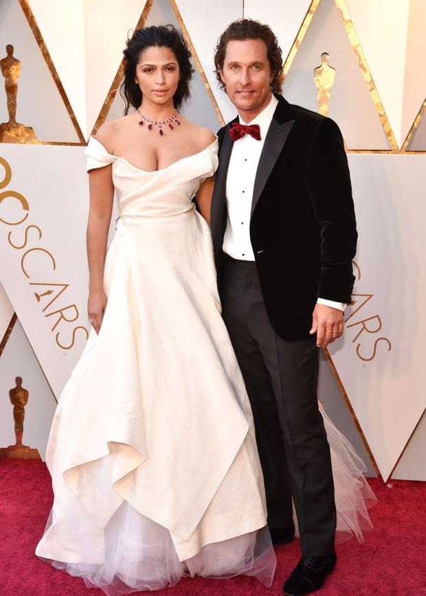 Равнение на грудь: наряды с декольте на Оскаре-2018 (фото 9)