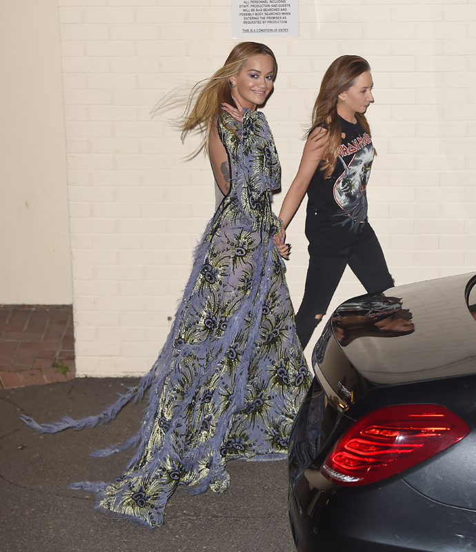 Рита Ора в Atelier Versace