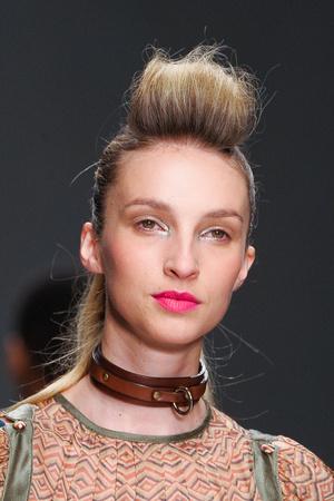 Показ Fashion Fringe коллекции сезона Весна-лето 2013 года prêt-à-porter - www.elle.ru - Подиум - фото 435582
