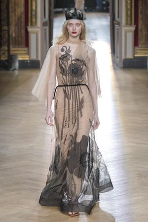 Показ Yanina Couture коллекции сезона Весна-лето 2018 года Haute couture - www.elle.ru - Подиум - фото 674271