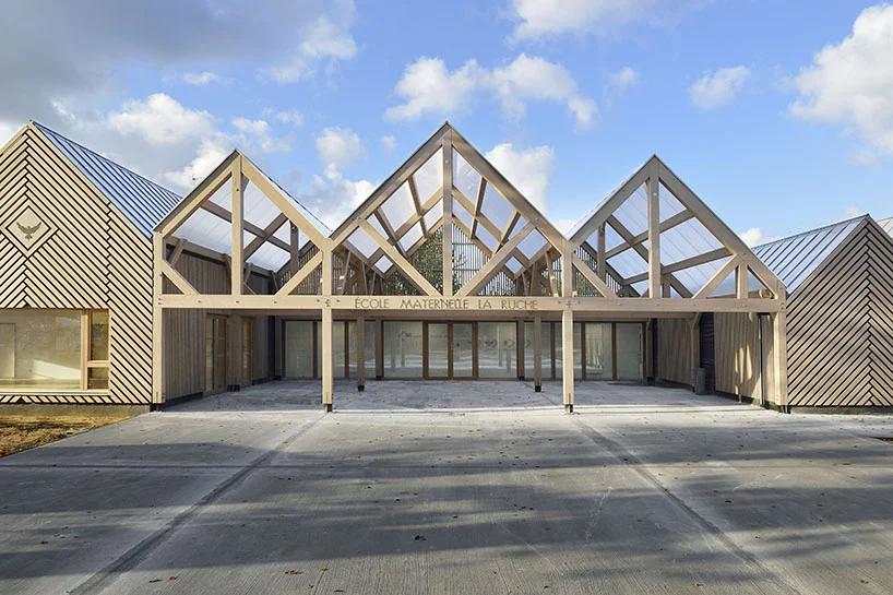 Деревянная школа на юге Франции от Tracks Architectes (галерея 7, фото 0)