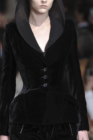 Показ Givenchy коллекции сезона Осень-зима 2009-2010 года haute couture - www.elle.ru - Подиум - фото 87790