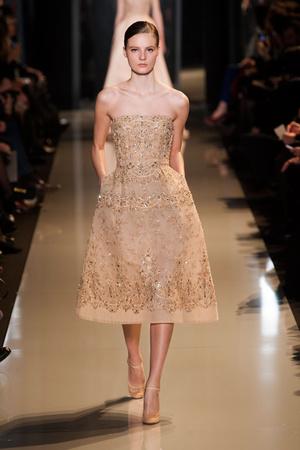 Показ Elie Saab коллекции сезона Весна-лето 2013 года Haute couture - www.elle.ru - Подиум - фото 480395