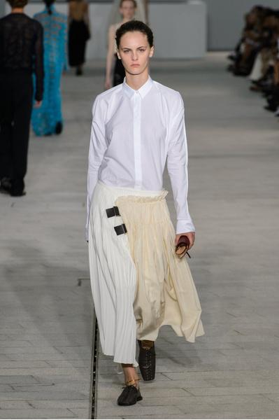 12 белоснежных рубашек в новой коллекции Jil Sander | галерея [1] фото [3]