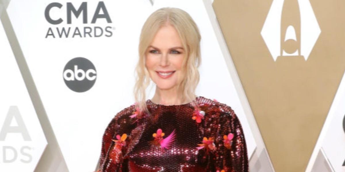 Ради мужа блондинки выбирают красный Versace — как Николь Кидман на СМА