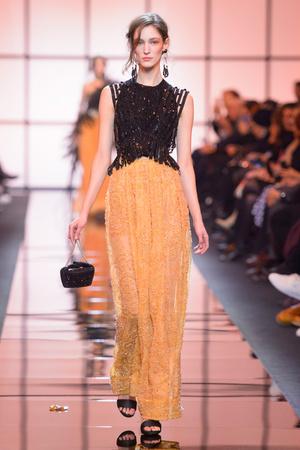 Показ Giorgio Armani Privé коллекции сезона Весна  2017 года Haute couture - www.elle.ru - Подиум - фото 616478