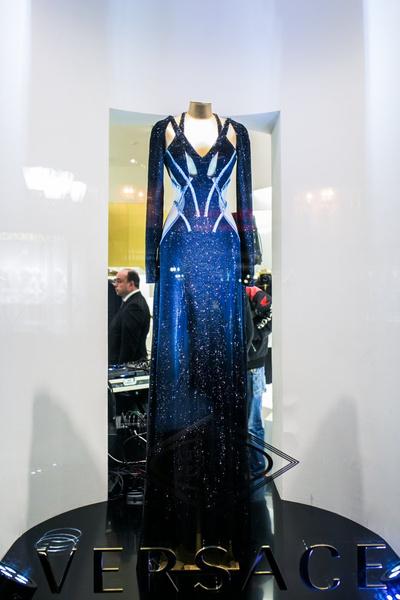 Селебрити на презентации осенней коллекции Versace | галерея [1] фото [12]