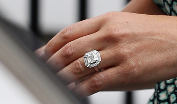 Помолвочное кольцо Пиппы Миддлтон