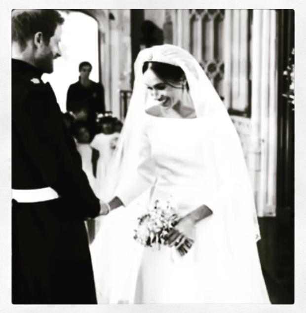 Чистота и простота: дизайнер, создававшая подвенечное платье Меган Маркл, опубликовала неизвестные снимки свадебной церемонии (фото 7)