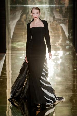 Показ Georges Chakra коллекции сезона Осень-зима 2012-2013 года Haute couture - www.elle.ru - Подиум - фото 403205