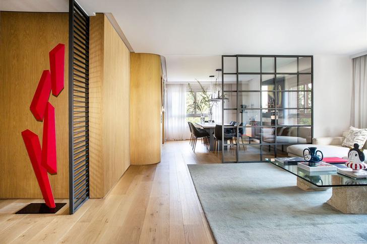 Современная квартира с яркими акцентам в центре Мадрида (фото 4)