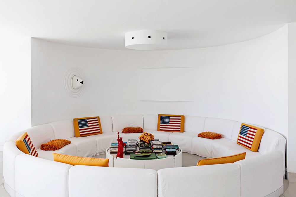 Яркие подушки в интерьере: 20 идей (галерея 0, фото 12)