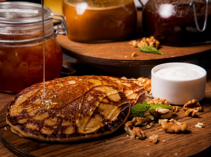 Блины «Гречишные» с медом и грецкими орехами