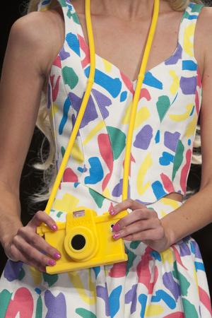 Показ Moschino коллекции сезона Весна-лето 2015 года Prêt-à-porter - www.elle.ru - Подиум - фото 589049