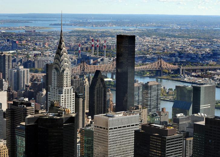 В Нью-Йорке продается легендарный небоскреб Chrysler Building (фото 0)