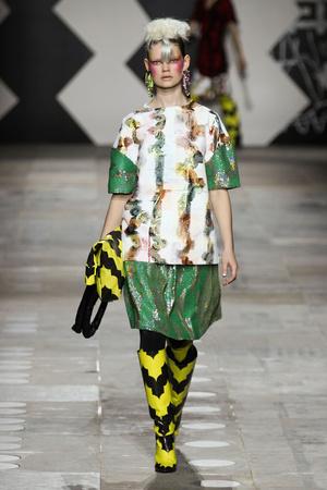 Показы мод Louise Gray Осень-зима 2012-2013 | Подиум на ELLE - Подиум - фото 1569