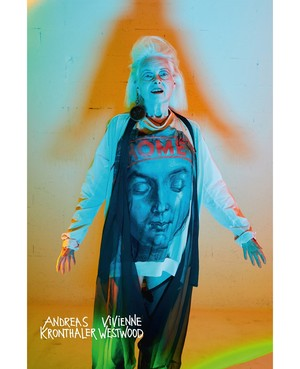 Королева провокации: абсолютно голая Наоми Кэмпбелл в кампании Vivienne Westwood (фото 5.2)