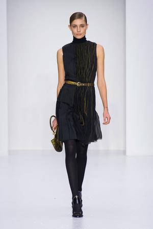 Показы мод Salvatore Ferragamo Осень-зима 2014-2015 | Подиум на ELLE - Подиум - фото 3942