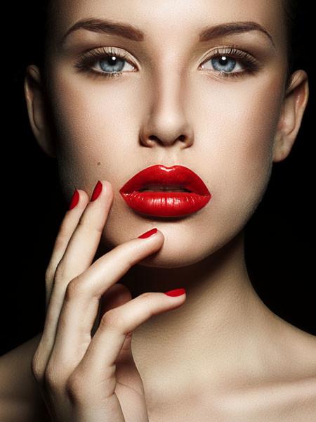 5 ошибок, которые вы совершаете, когда красите губы (фото 1)
