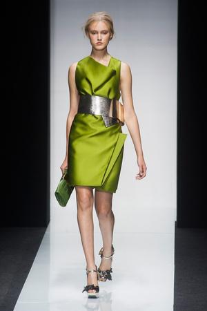 Показы мод Gianfranco Ferré Весна-лето 2014 | Подиум на ELLE - Подиум - фото 3634