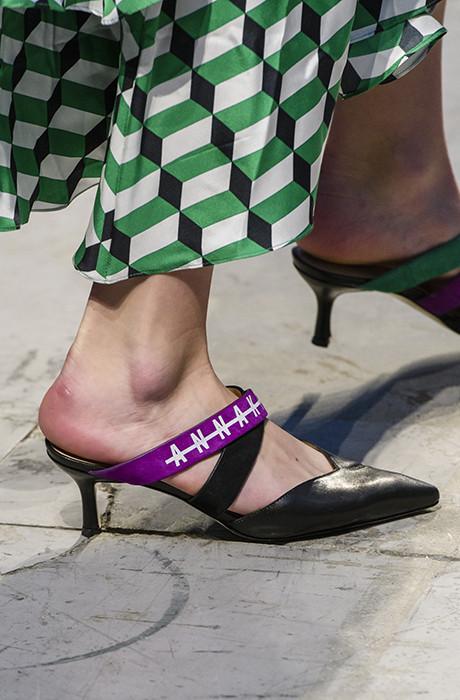 Лучшие аксессуары Миланской Недели моды фото [32]