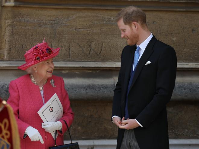 Зла не держу: почему все говорят о «перемирии» между королевой и Меган Маркл (фото 1)