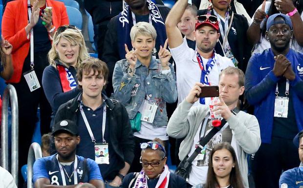 Самые красивые подруги французских футболистов (фото 1)