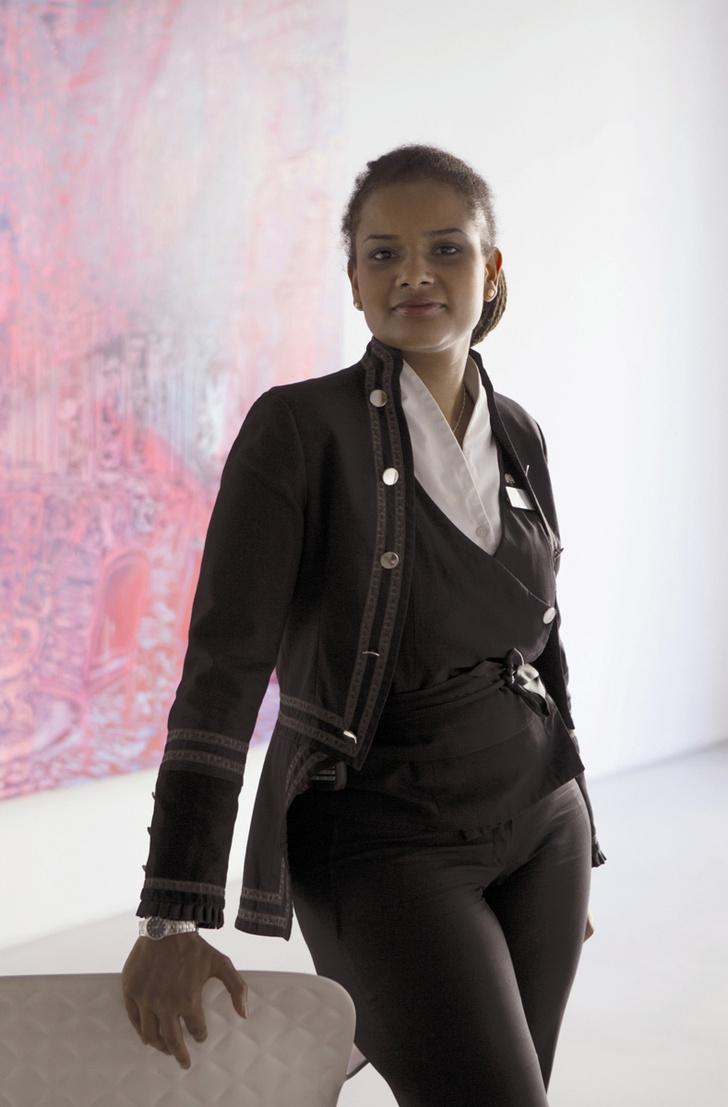 Жюли Эжен, арт-консьерж отеля Le Royal Monceau-Raffles из галереи Art District.