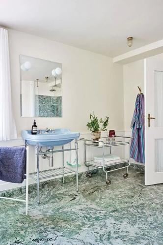 The Apartment: гестхаус, арт-галерея, мебельный салон (фото 10.2)