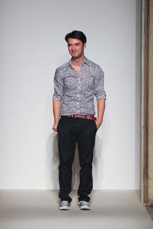 Показы мод Gabriele Colangelo Весна-лето 2012 | Подиум на ELLE - Подиум - фото 1889
