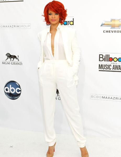 Rihanna-white-pants