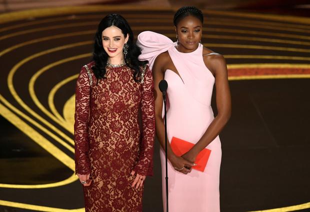 Общество красных конвертов: образы ведущих на «Оскаре-2019» (фото 11)