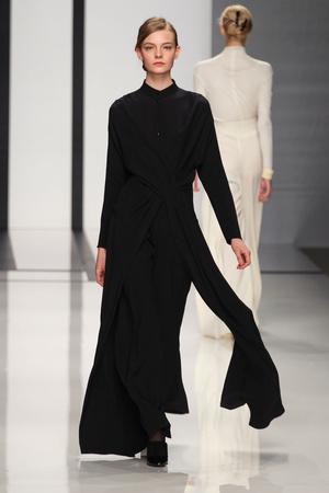 Показы мод Daks Осень-зима 2012-2013 | Подиум на ELLE - Подиум - фото 1595